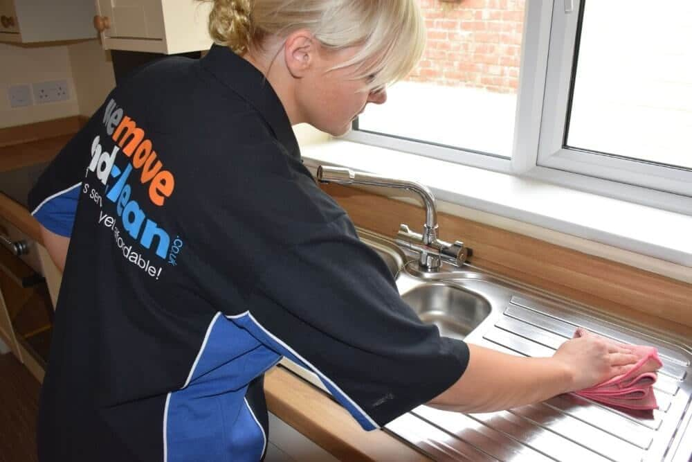 cleaning companies Swindon